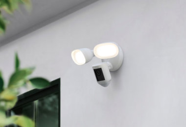 Ring stellt Ring Floodlight Cam Wired Pro und Ring Video Doorbell 4 vor