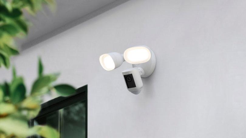 Ring stellt Ring Floodlight Cam Wired Pro und Ring Video Doorbell 4 vor